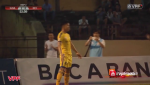 Trung ve Que Ngoc Hai an mung ban thang theo phong cach Ronaldo