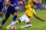Thêm một ngôi sao Brazil có nguy cơ lỡ Copa America 2016