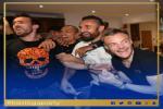 Hình ảnh dàn sao Leicester vỡ òa khi biết tin vô địch Premier League