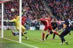 Bayern ôm hận trước Atletico bởi trung phong Lewandowski bị ... quỷ ám