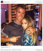Ronaldo quay nhiet tinh cung bo cu o tiec sinh nhat Jennifer Lopez