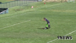 Pha ghi bàn không thể tin nổi trên sân cỏ Mỹ