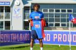 Loic Remy chính thức rời Chelsea, tái hợp với Alan Pardew
