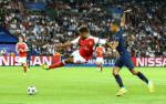 Bi Arsenal bo roi, Chamberlain tren duong roi Emirates