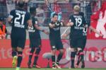 Mainz 2-3 Leverkusen: Hattrick của Chicharito