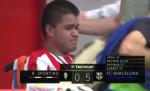 CDV khuyet tat cua Gijon bat khoc khi duoc ngoi sao Neymar tang ao