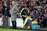 Wenger va Sanchez ra di cung mot luc