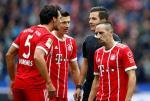 Hertha Berlin 2-2 Bayern Munich: Ancelotti ra di, Hum xam van sa co
