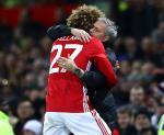 Mourinho đích thân thuyết phục Fellaini ở lại