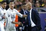 HLV Zidane bất ngờ không ủng hộ Ronaldo giành bóng vàng