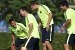 Neymar tuc dien nguoi voi Suarez va Pique