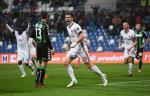 Sassuolo 0-2 AC Milan: Giai toa ap luc