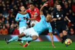 Man City gặp đại họa sau trận thắng M.U