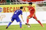 Tuyển thủ U23 Việt Nam phản bác tin đồn bị đội bóng của Công Vinh sa thải