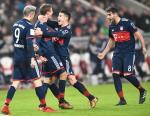 Stuttgart 0-1 Bayern Munich: Su tro lai cua Raumdeuter