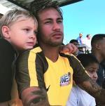 Ngoi sao Neymar bi cao buoc no tien bac si khi sinh con trai dau long