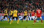 Phan tich: Nhung sai lam chien thuat khien Arsenal tham bai Bayern Munich