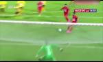 Cau thu Iran bat chuoc kieu phoi hop da 11m cua Messi vs Suarez