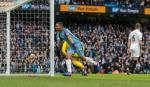Gabriel Jesus hạnh phúc với cú đúp cho Man City