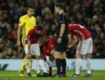 Ibrahimovic treo gio, Pogba chan thuong: Dat niem tin vao nhung dua tre