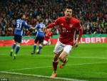Lewandowski can moc khung trong mau ao Bayern Munich
