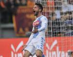 AS Roma 1-2 Napoli: Mertens keo sap phao dai Olimpico