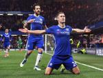 Carragher: Chelsea can tim nguoi thay the Gary Cahill