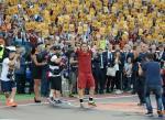 Hoang tu Totti nghen ngao trong tran cuoi cung khoac ao AS Roma