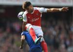 Chamberlain lai lam kho Arsenal