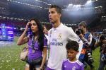 PSG: Ga mo, ao tuong va bi Ronaldo loi dung