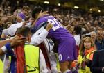 Asensio noi gi sau mua giai bung no trong mau ao Real?