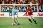 Pep Guardiola đáp trả câu chọc ngoáy của huyền thoại MU