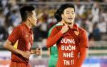 Van Toan da pham luat FIFA khi in thong diep xin loi ban gai tren ao dau