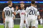 Sao Tottenham nuc no khen nhau du thua Chelsea