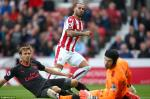 Du am Stoke 1-0 Arsenal: Den luc bo so do 3 hau ve?