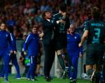 Thang vang doi Atletico, Conte tro ve Anh trong su tuc gian