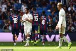 Video tong hop: Real Madrid 1-2 Levante (Vong 9 La Liga 2018/19)