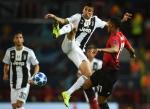 MU gui Juventus: Darmian + 42 trieu bang = Cancelo