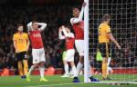 Granit Xhaka dang keo lui Arsenal