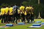 ĐT Malaysia tập luyện ra sao trong ngày đầu tiên đến Việt Nam?