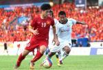 HLV Park Hang Seo gay bat ngo o doi hinh ra san tran Viet Nam vs Myanmar