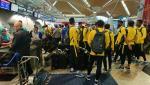 Chùm ảnh: ĐT Malaysia sang Việt Nam sẵn sàng cho trận chung kết tại Mỹ Đình