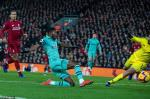 Huy diet Arsenal 5-1, Van Dijk van khong hai long