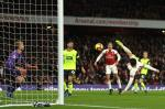 Emery thua nhan chien thang xau xi cua Arsenal