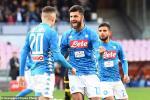 Napoli 4-0 Frosinone: Man chay da hoan hao cho cuoc tu chien voi Liverpool