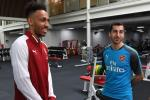 Aubameyang se tien Lacazette ra khoi Arsenal