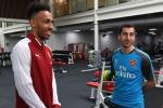 Bat ngo voi nguoi goi dien thuyet phuc Aubameyang toi Arsenal?