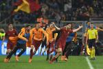 Hinh anh Roma an mung trong phong thay do sau ky tich thang Barca