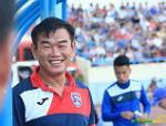 HLV Phan Thanh Hùng vẫn cười tươi dù Quảng Ninh bại trận