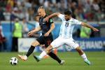 Argentina dai loan: Aguero cong khai bat HLV truong